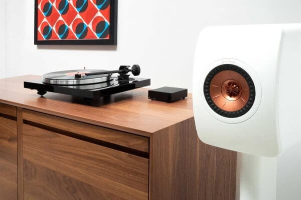 KEF LS50W Powered Speaker Package Lifestyle